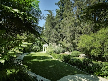 701 Stone Canyon Road, Los Angeles, 90077, United States.