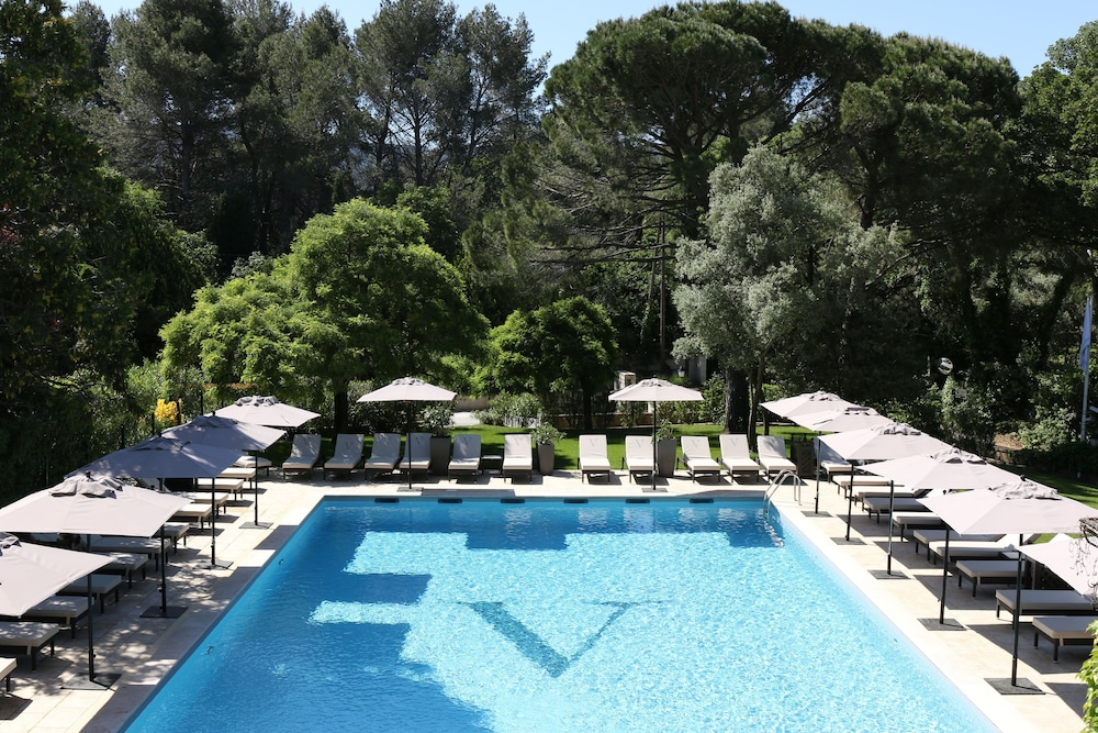 Le Vallon De Valrugues Spa In St Remy De Provence Hotel Rates