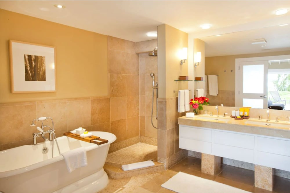 Bathroom, Elbow Beach
