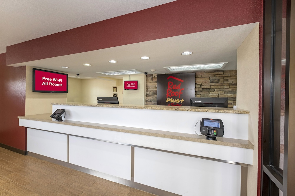 Lobby, Red Roof Inn PLUS+ & Suites Naples Downtown-5th Ave S