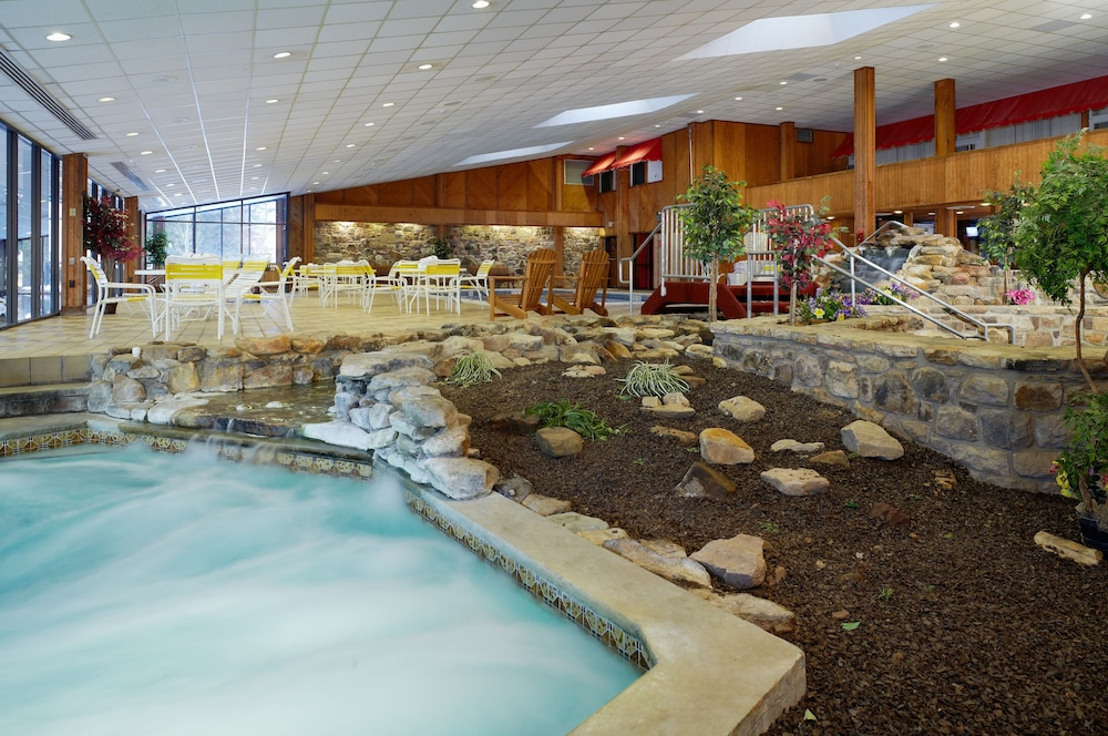 Indoor Pool, Cove Haven Resort