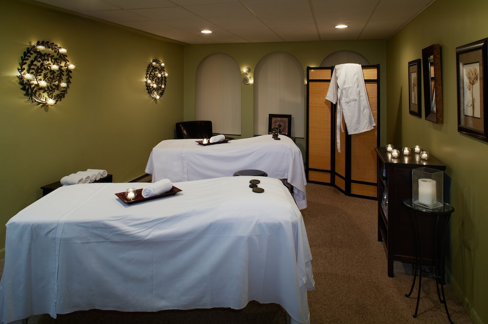 Massage, Cove Haven Resort