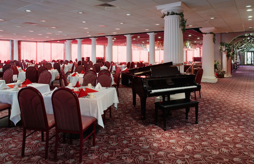Ballroom, Cove Haven Resort