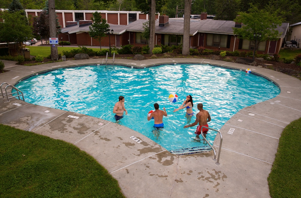 Pool, Cove Haven Resort