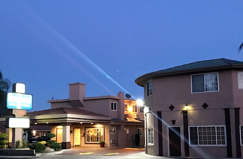 Travelodge by Wyndham Merced Yosemite