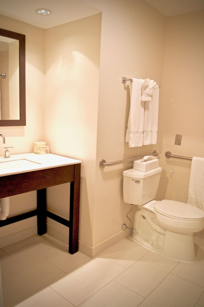 Bathroom, Heritage Hotel, Golf, Spa & Conference Center, BW Premier Collection