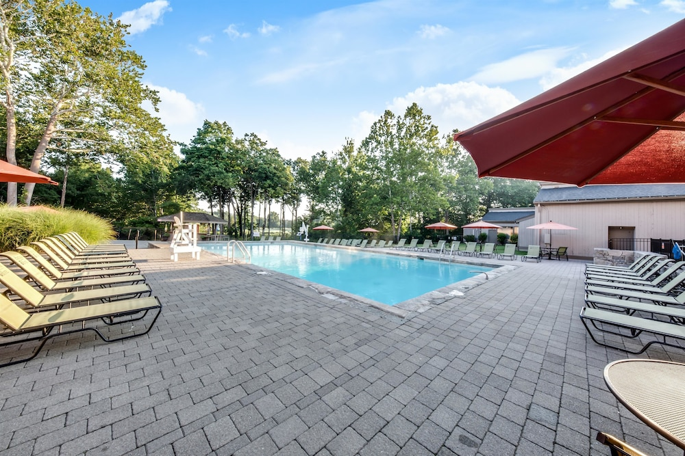 Outdoor Pool, Heritage Hotel, Golf, Spa & Conference Center, BW Premier Collection