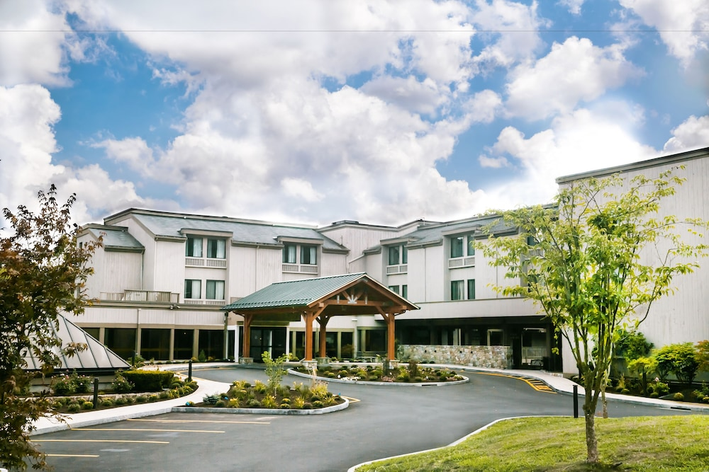 Front of Property, Heritage Hotel, Golf, Spa & Conference Center, BW Premier Collection