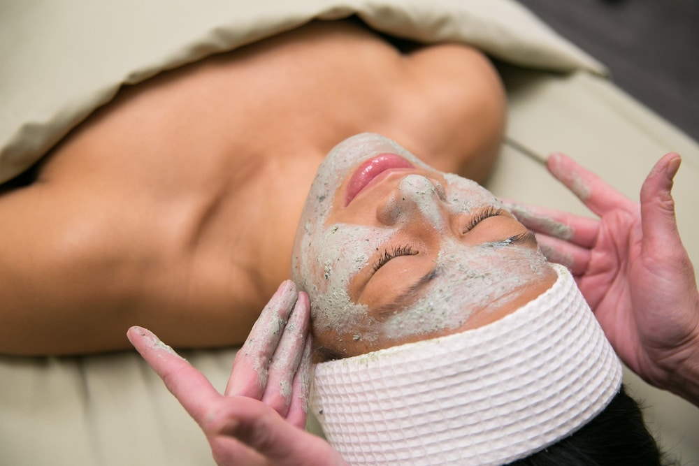 Facial, Heritage Hotel, Golf, Spa & Conference Center, BW Premier Collection