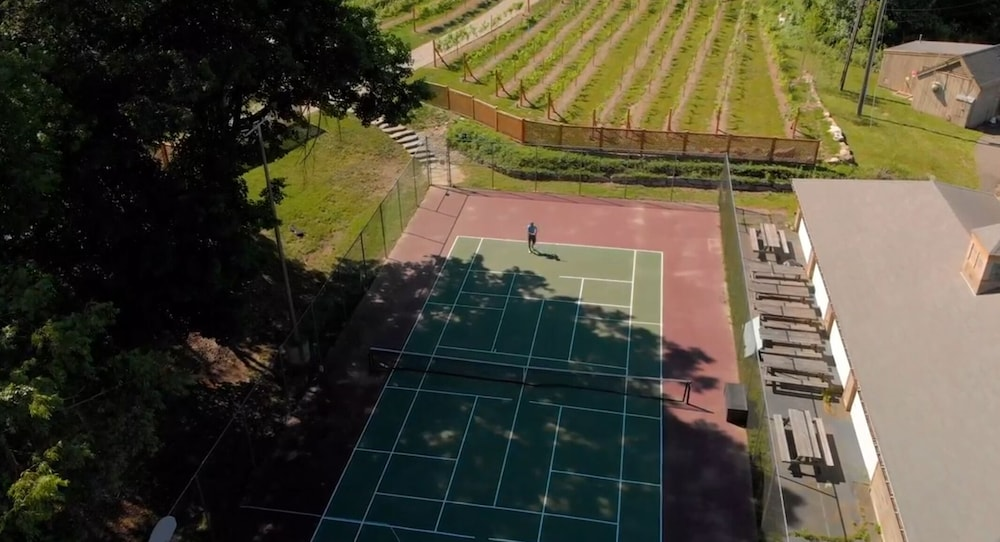 Tennis Court, Heritage Hotel, Golf, Spa & Conference Center, BW Premier Collection