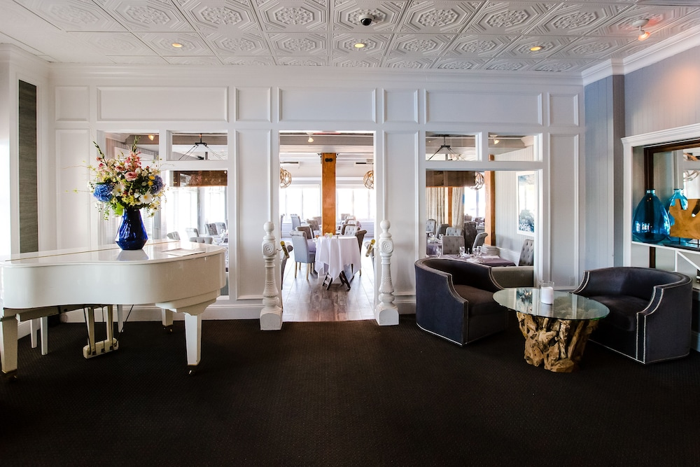 Lobby Lounge, Danfords Hotel and Marina