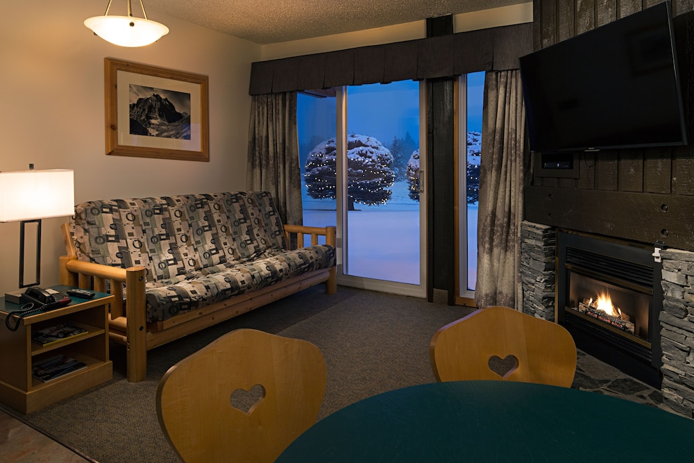 Living Area, Rocky Mountain Ski Lodge