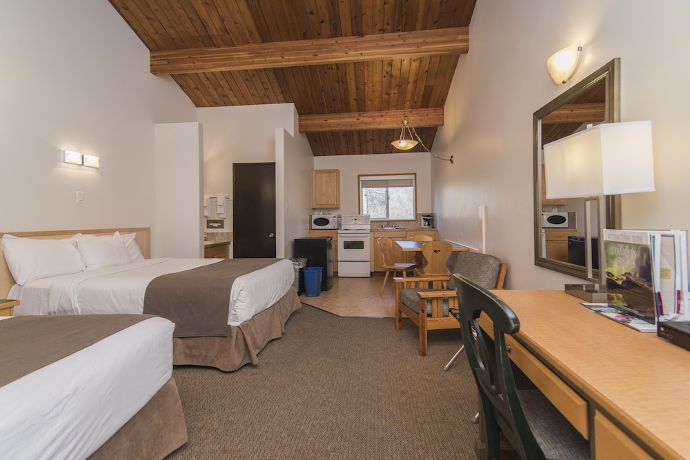 Room, Rocky Mountain Ski Lodge