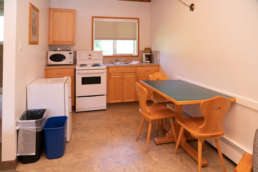 Private Kitchen, Rocky Mountain Ski Lodge