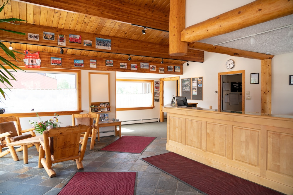 Lobby, Rocky Mountain Ski Lodge