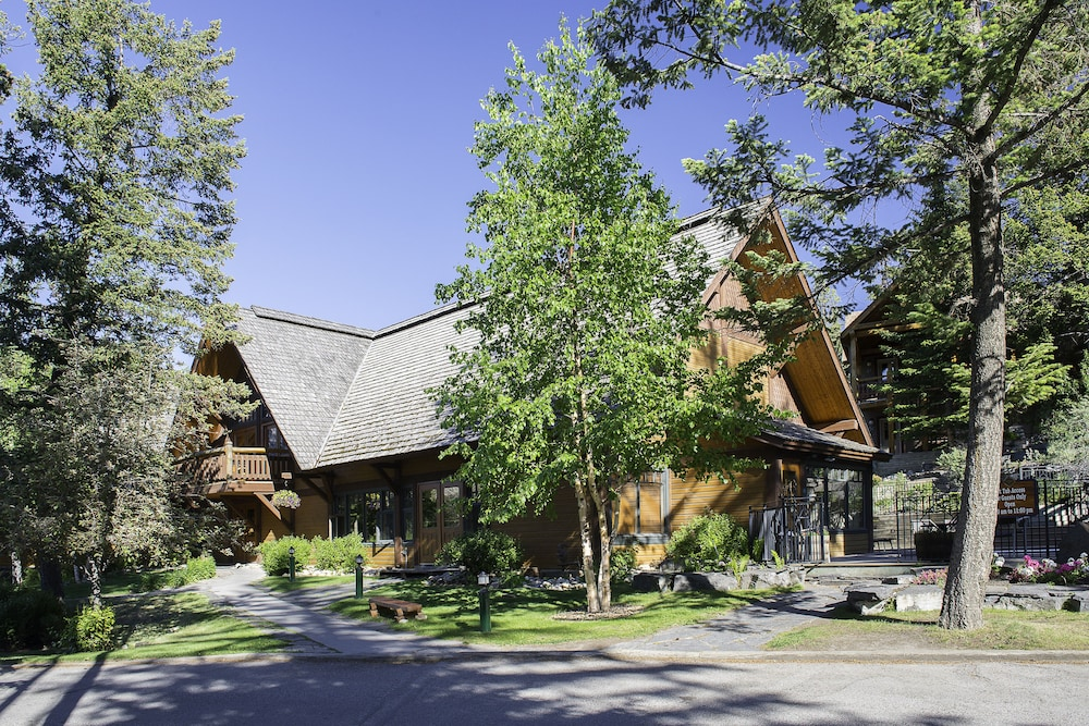 Front of Property, Buffalo Mountain Lodge