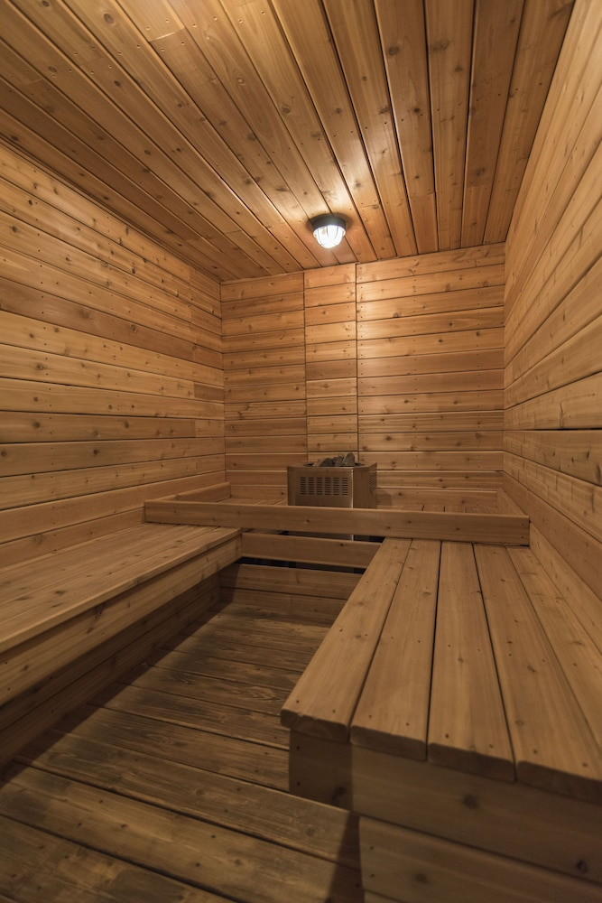 Sauna, Buffalo Mountain Lodge