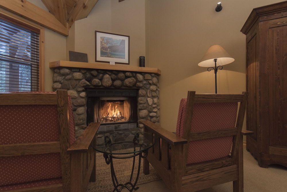 Fireplace, Buffalo Mountain Lodge