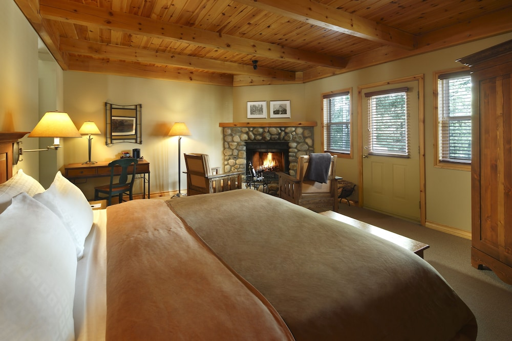 Room, Buffalo Mountain Lodge