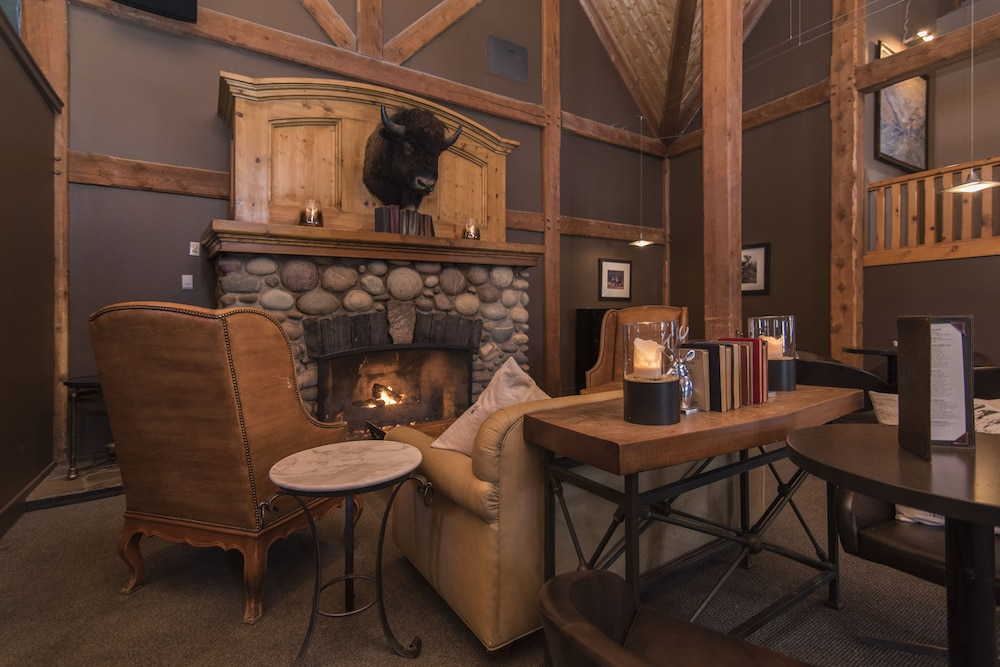 Living Area, Buffalo Mountain Lodge