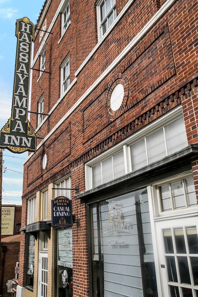 Hassayampa Inn (Prescott, USA) | AARP® Travel Center