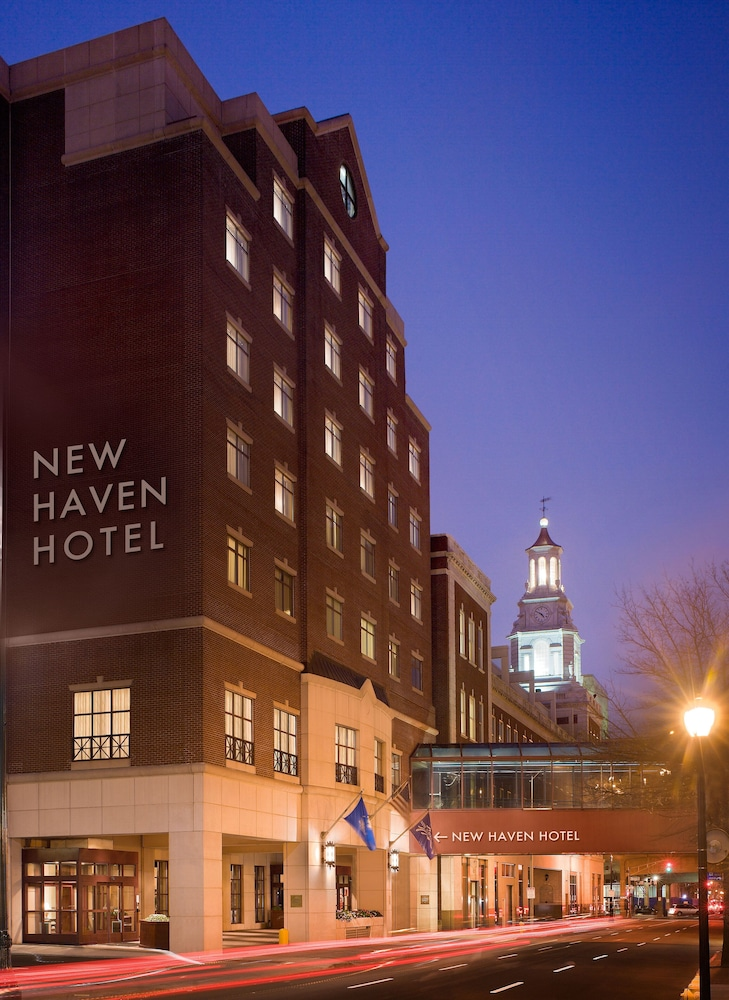 Exterior detail, New Haven Hotel