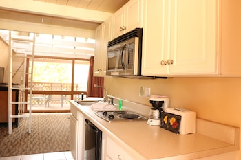 Deluxe Room, Kitchenette, Garden View - Guestroom