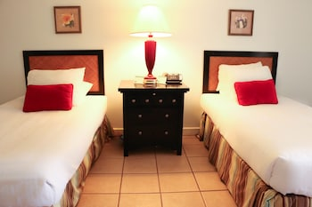 Standard Room, 1 Double or 2 Single Beds, Garden View - Guestroom
