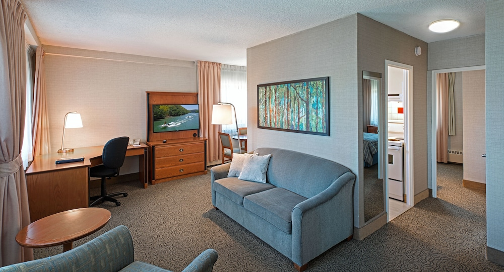 Suite, 2 Bedrooms - Featured Image