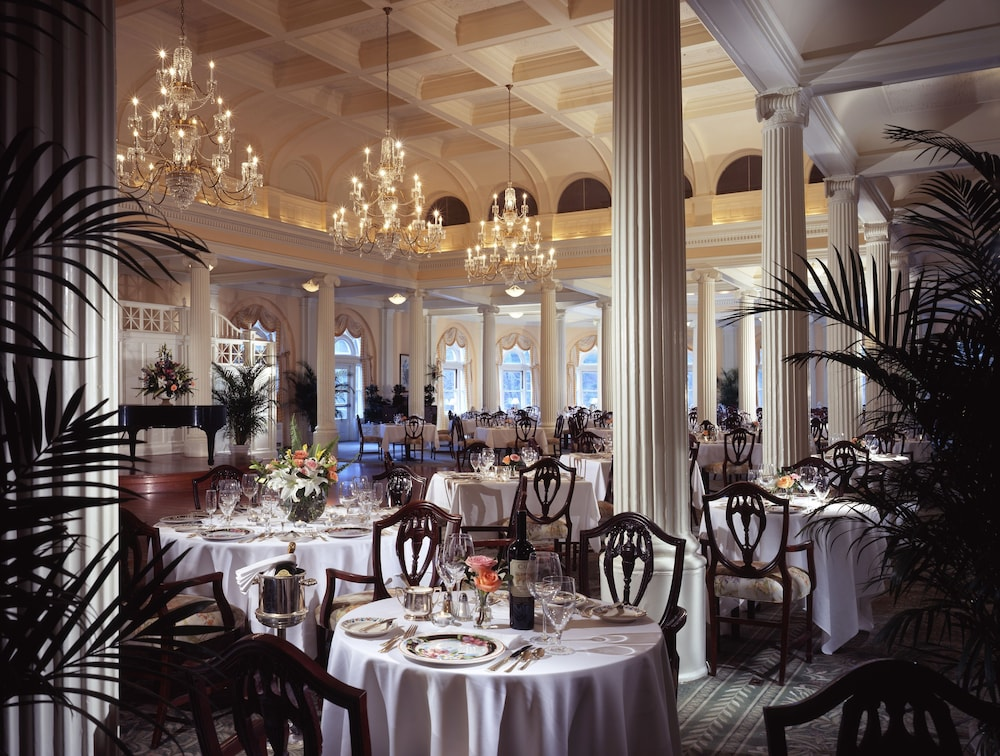 Family Dining, The Omni Homestead Resort