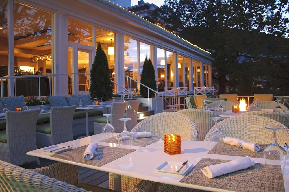 Outdoor Dining, The Omni Homestead Resort