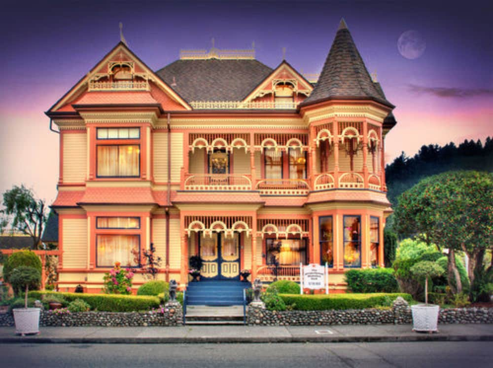 Featured Image, Gingerbread Mansion Inn