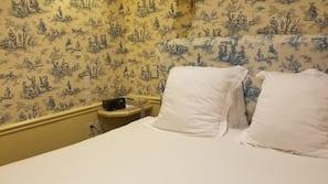 Literie hypoallergénique, coffres-forts dans les chambres