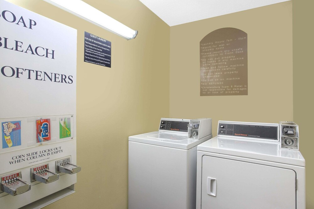 Laundry Room, Super 8 by Wyndham Christiansburg/Blacksburg Area