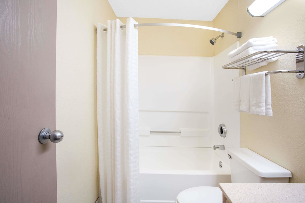 Bathroom, Super 8 by Wyndham Lewisburg