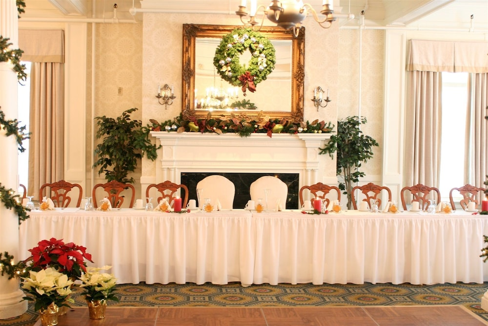 Indoor Wedding, Middlebury Inn