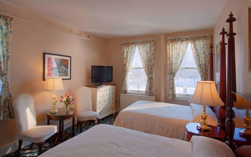 Room, Middlebury Inn