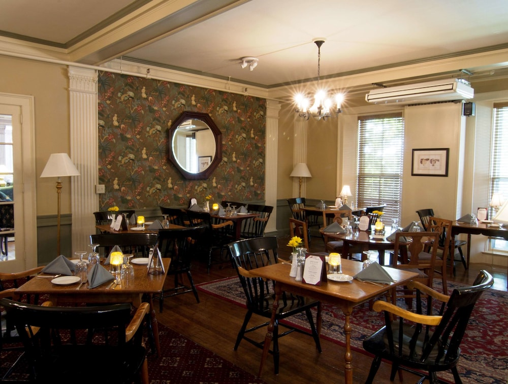 Restaurant, Middlebury Inn