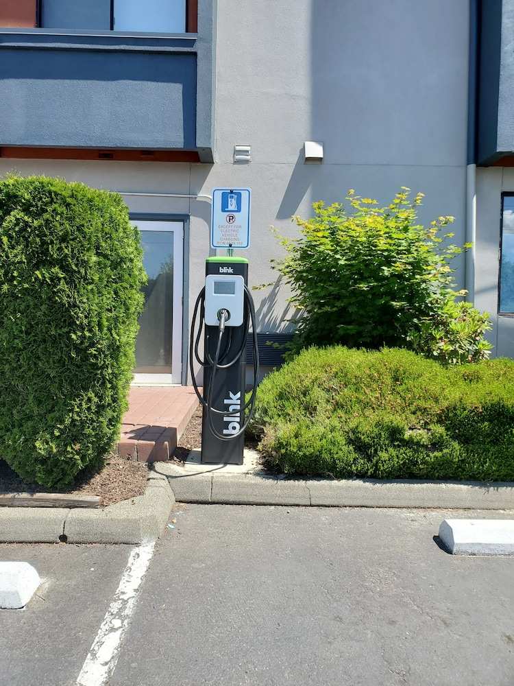 Property Amenity, Best Western Plus Renton Inn