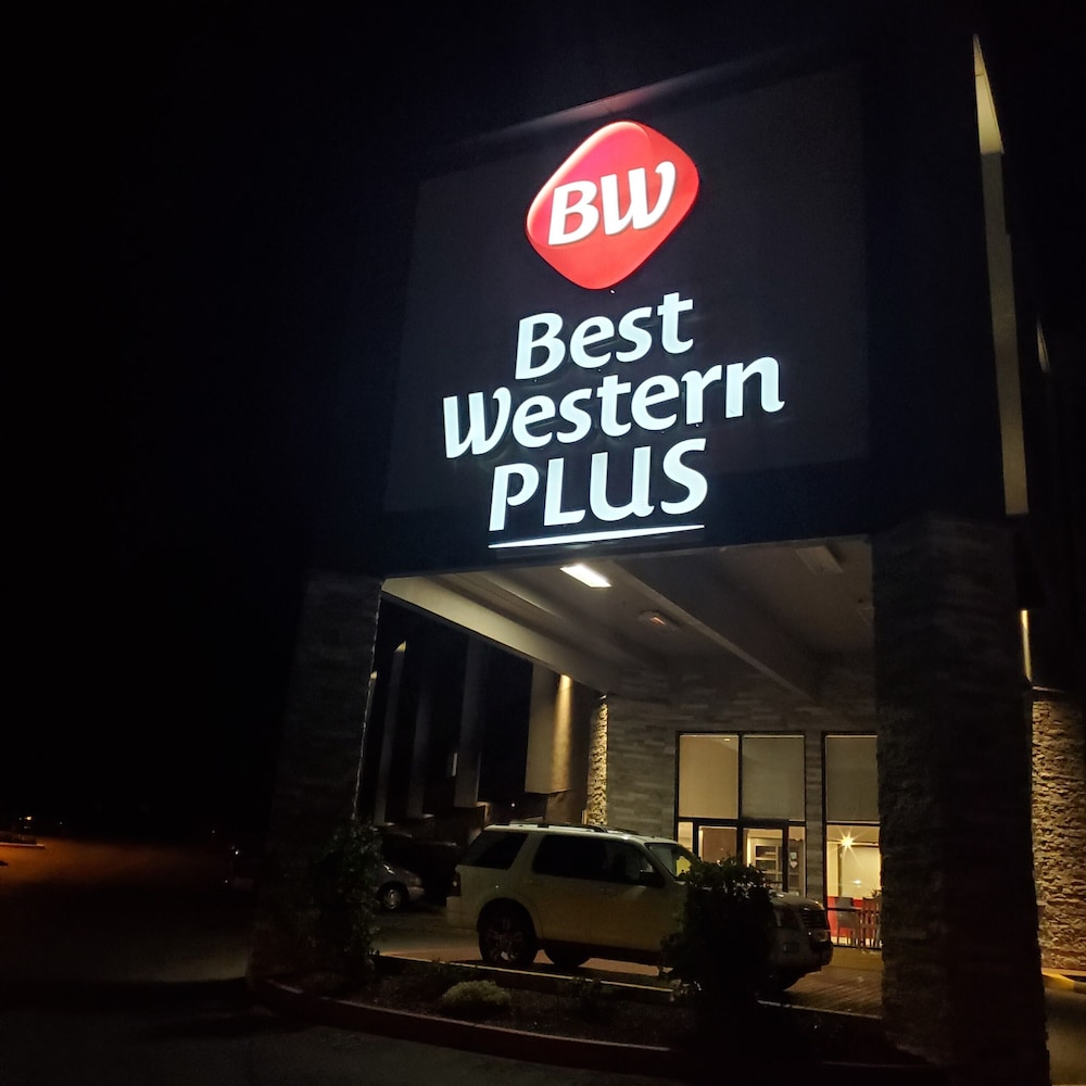 Front of Property - Evening/Night, Best Western Plus Renton Inn