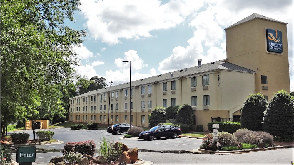 Exterior, Quality Inn & Suites Raleigh North