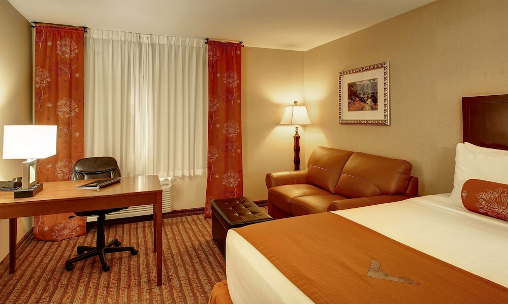 Room, Phoenix Inn Suites - Lake Oswego