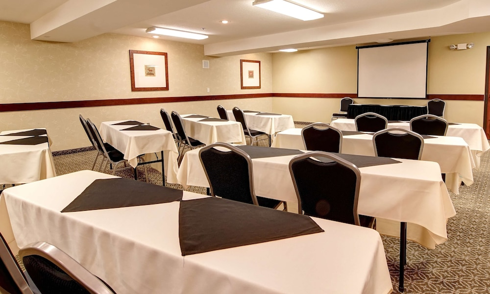 Meeting Facility, Phoenix Inn Suites - Lake Oswego