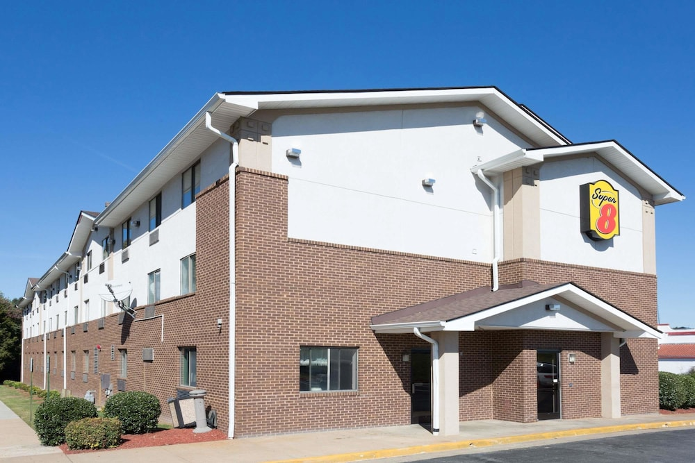 Super 8 By Wyndham Richmond Midlothian Turnpike In Hotel Rates Reviews On Orbitz