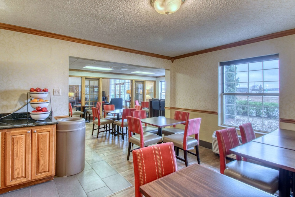 Breakfast Area, Comfort Inn