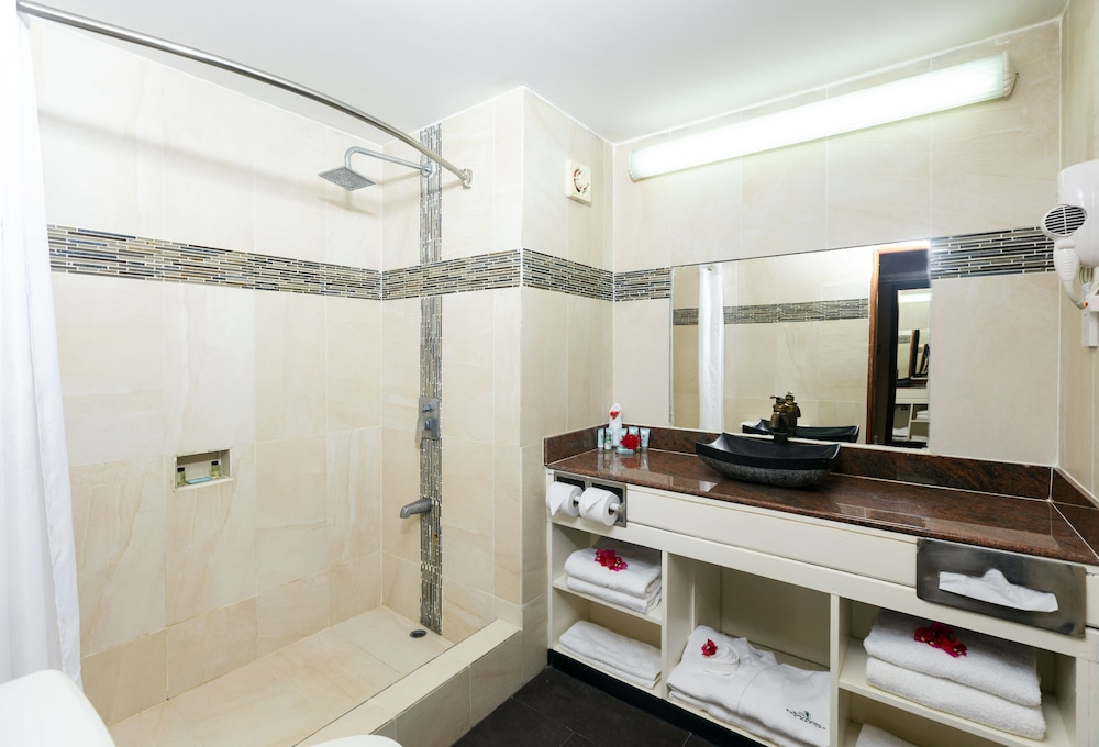 Bathroom, Le Grand Courlan Spa Resort