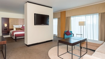 Junior Suite King - Guestroom