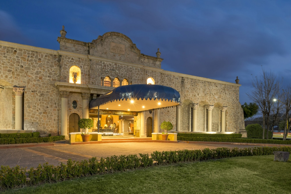 Front of Property - Evening/Night, Quinta Real Aguascalientes