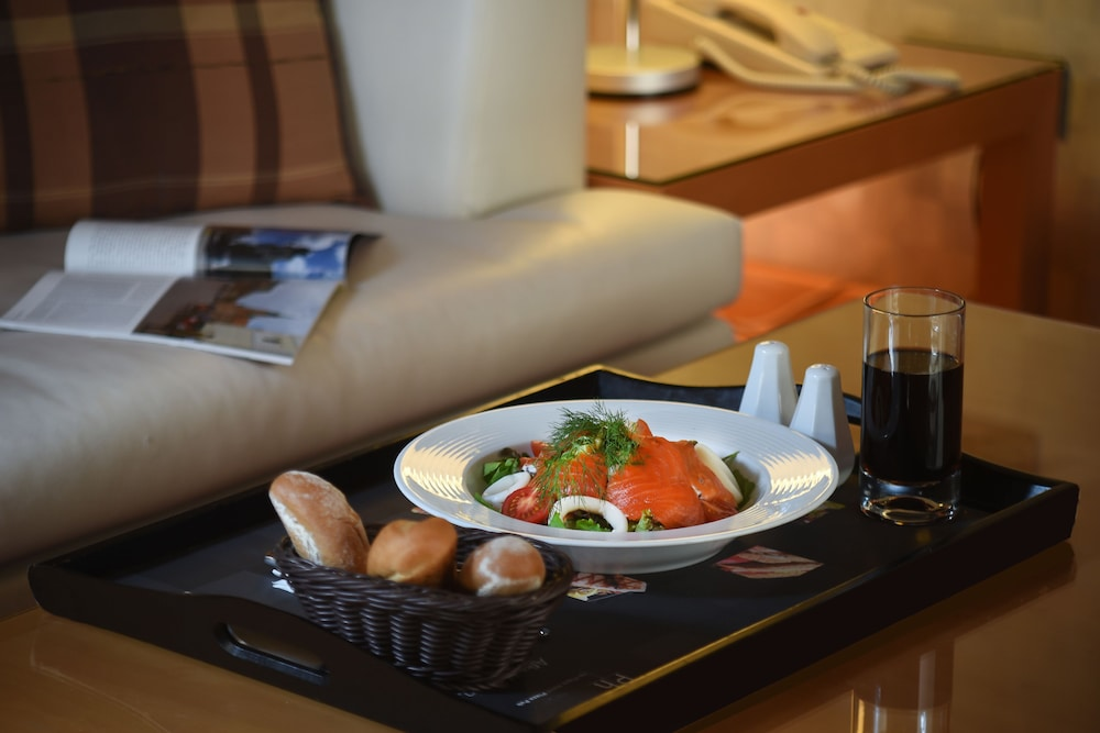 Room Service - Dining, Mercure Istanbul The Plaza Bosphorus