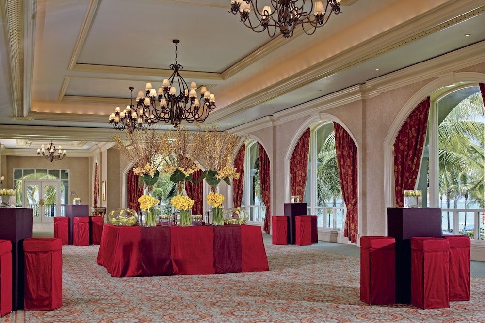 Ballroom/Hall 30 of 70